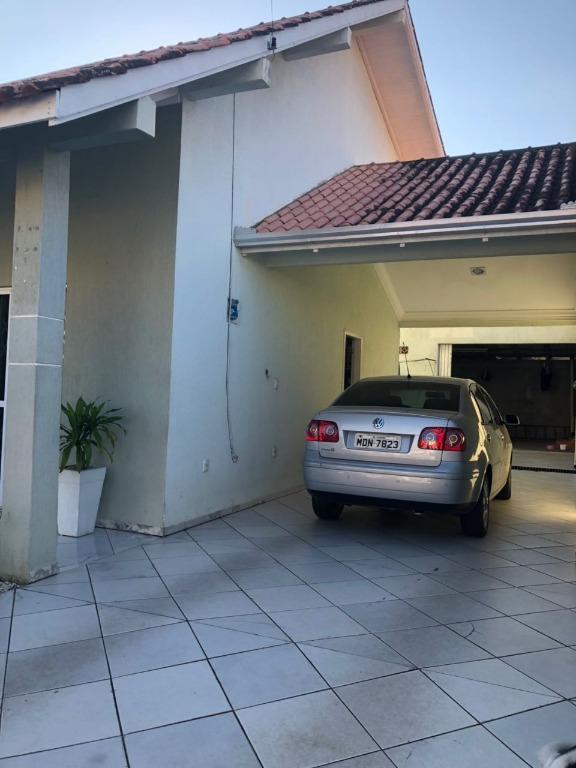 Casa á Venda no Bairro Morretes em Itapema SC
