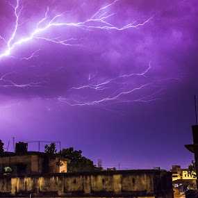 Lightening_Col by Soumyaroop  Chatterjee  - News & Events Weather & Storms ( colour, roof, contrast, lightening, kolkata, north kolkata, night, light, canon 550d,  )