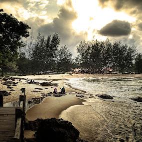 Sunset by Zulkifli Yusof - Landscapes Waterscapes ( terengganu, malaysia, beach )