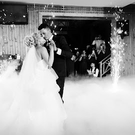 The dance by Klaudia Klu - Wedding Bride & Groom