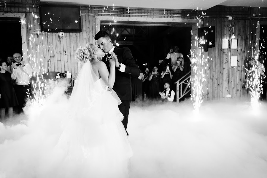The dance by Klaudia Klu - Wedding Bride & Groom