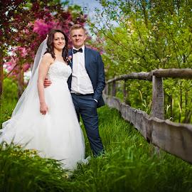 by Tomasz Mosiadz - Wedding Bride & Groom