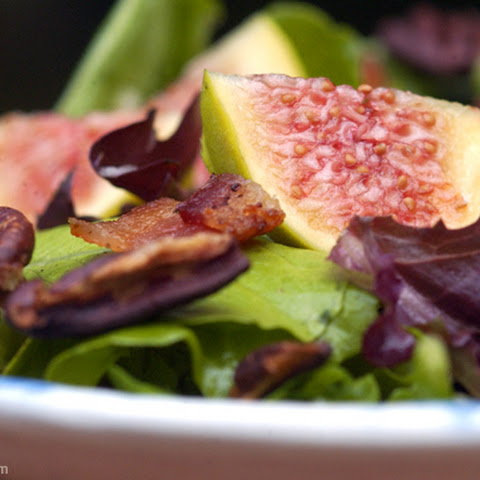 Salad with Figs, Bacon and Toasted Pecans
