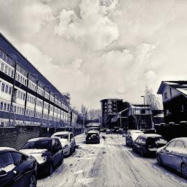 Snow on the Southwark/Lewisham border... SE London. by Jonny Wood - Instagram & Mobile Android