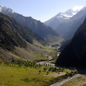 Amazing landscape of Kashmir by Tridibesh Indu - Landscapes Mountains & Hills ( hills, mountains, mountain, snow, meadow, kashmir, valley, landscapes, landscape, river,  )