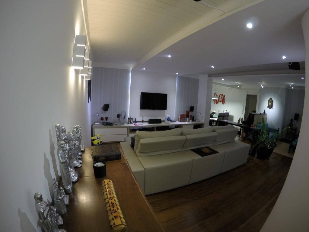 Apartamento amplo, totalmente reformado no Centro de Rio Preto.