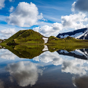 Reflecting mountains by Páll Jökull Pétursson - Landscapes Waterscapes ( phototour, reflection, europe, speglun, kýlingavatn, landscape, photography, mountains, land of ice and fire, palljokull, nordic, suðurland, fjöll, fjallabak nyrðra, litlikýlingur, 2015, kýlingar, lake, northern europe, photo, south iceland, fjalllendi, iceland, traveling, summer, photoguide, ísland )