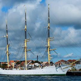 Danmark by Henrik  Krogsgaard - Transportation Boats