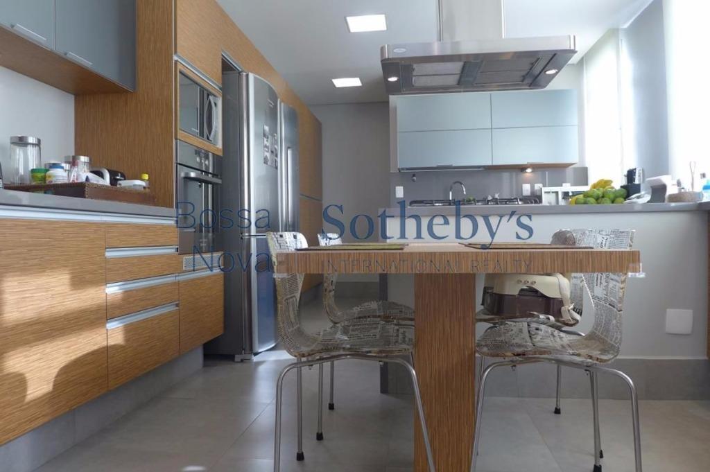 Apartamento reformado, novo. Próx.ao parque do Ibirapuera