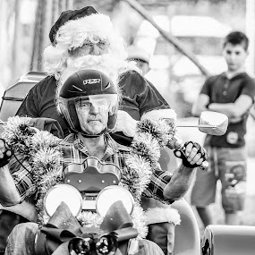 Christmas in Queensland Australia by Laurie King - Public Holidays Christmas ( festive, queensland, santa, australia, christmas, holidays, motorcycle, kids, people, rural )