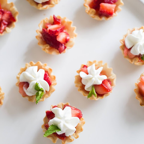 Strawberries Romanoff Cups