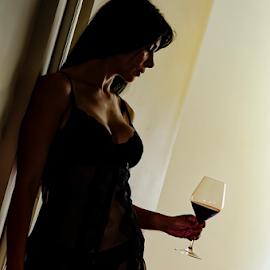 Gio&Wine by Fico Stein Montagne - Nudes & Boudoir Boudoir ( contrast, sexy, model, girl, lingerie, boudoir, woman, nikon d7000, shadows,  )