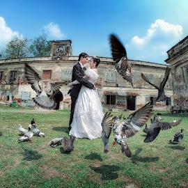 by Abhi Yasa - Wedding Bride & Groom