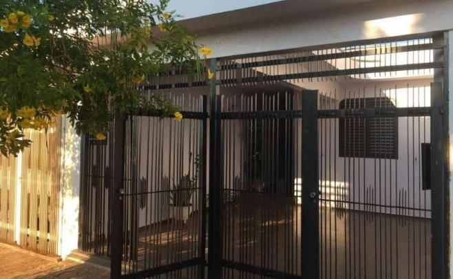 Casa com quartos para Alugar, 69 m²