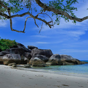 Belitong Beach by Basuki Mangkusudharma - Landscapes Beaches ( belitong, indonesia, beach )