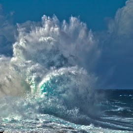Ocean Explosion by Richard Duerksen - Landscapes Waterscapes ( waves, curaçao, shete boca park, storm )