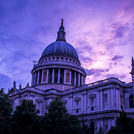 St. Paul's by Stuart Lilley - Buildings & Architecture Places of Worship ( building, sunset, purple hour, buildings, cathedrals, cathedral,  )
