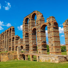 acueducto romano de Mérida by Roberto Gonzalo - Buildings & Architecture Bridges & Suspended Structures ( romano, acueducto, mérida, badajoz )