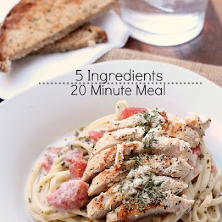 Alfredo Pesto Sauce with Chicken and Tomatoes
