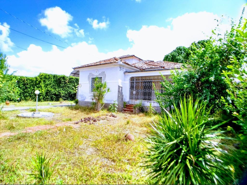 Casa com 5 dormitórios à venda, 500 m² por R$ 980.000 - Tambiá - João Pessoa/PB