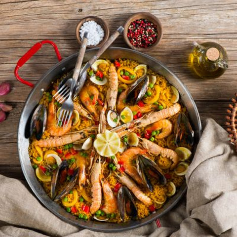 Finger-Licking Spanish Paella