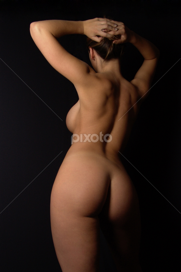 curvy nude by Axel Bueckert - Nudes & Boudoir Artistic Nude ( body, nude, low key, behind, back, ass, curves, erotic, voluptuous, pose, curvy, sexy, girl, female, woman, naked, bum, bottom, butt, womanly )