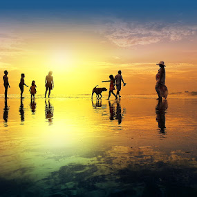 One occasion in the beach by Alit  Apriyana - Instagram & Mobile Android ( reflection, family, sunset, beach, dog )