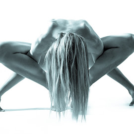 Yoga Star by Charles Mitercloses - Nudes & Boudoir Artistic Nude ( blonde, other, nude, black and white, pro, cant see anything, hair )