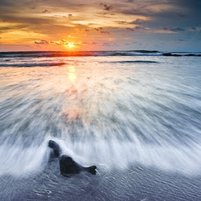 The last of 2012 sunset by Theyjun Photoworks - Novices Only Landscapes