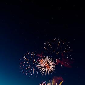 raft race fireworks 02.jpg