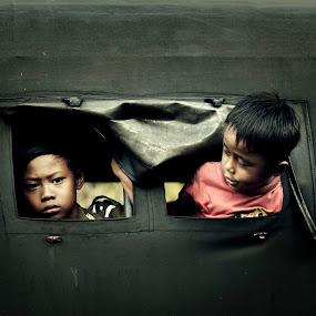 by Dharman Multimedia - People Street & Candids