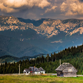 Muntii Bucegi by Pastean Gheorghe - Landscapes Travel ( clouds, mountains, forest, house, country )