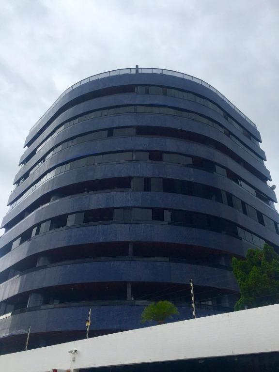Apartamento com 3 dormitórios para alugar, 175 m² por R$ 1.300/mês - Intermares - Cabedelo/PB