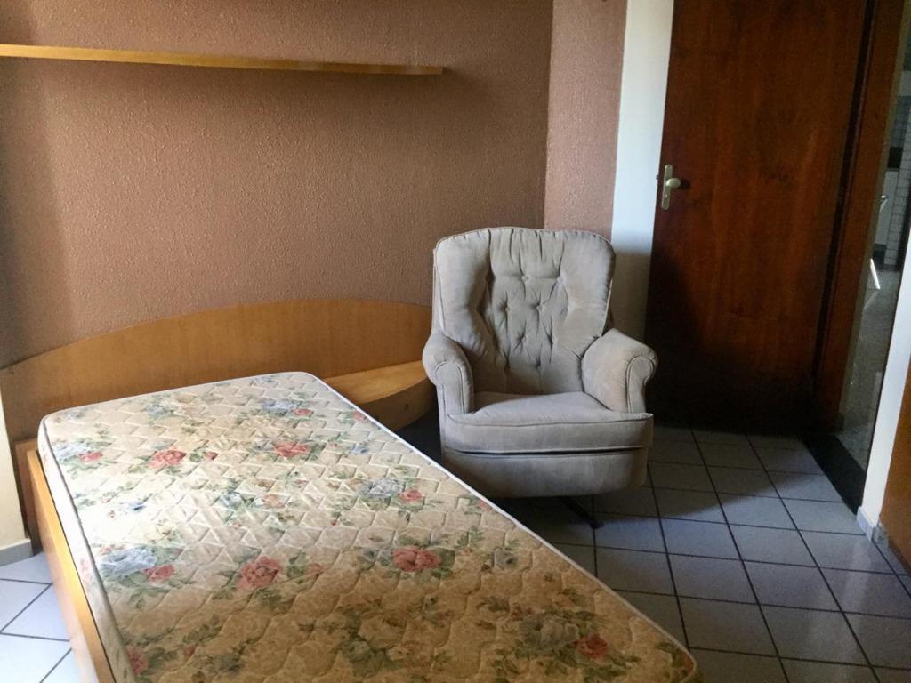Apartamento com 3 dormitórios para alugar, 130 m² por R$ 2.000/mês - Bessa - João Pessoa/PB