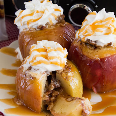 Light Crock Pot Baked Apples