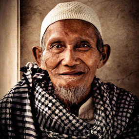 Diujung Usia by Andrie Bastian - People Portraits of Men ( men, people,  )
