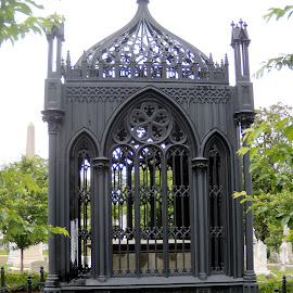James Monroe Tomb by Allen Wright - City,  Street & Park  Cemeteries