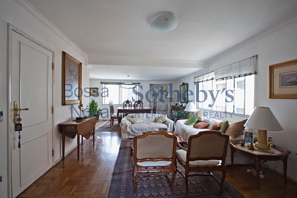 Apartamento em excelente localização no itaim