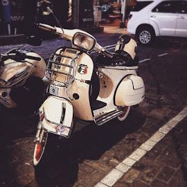 #vscocam #bali #balibible #vespa by Yohanes Satriatama - Transportation Motorcycles