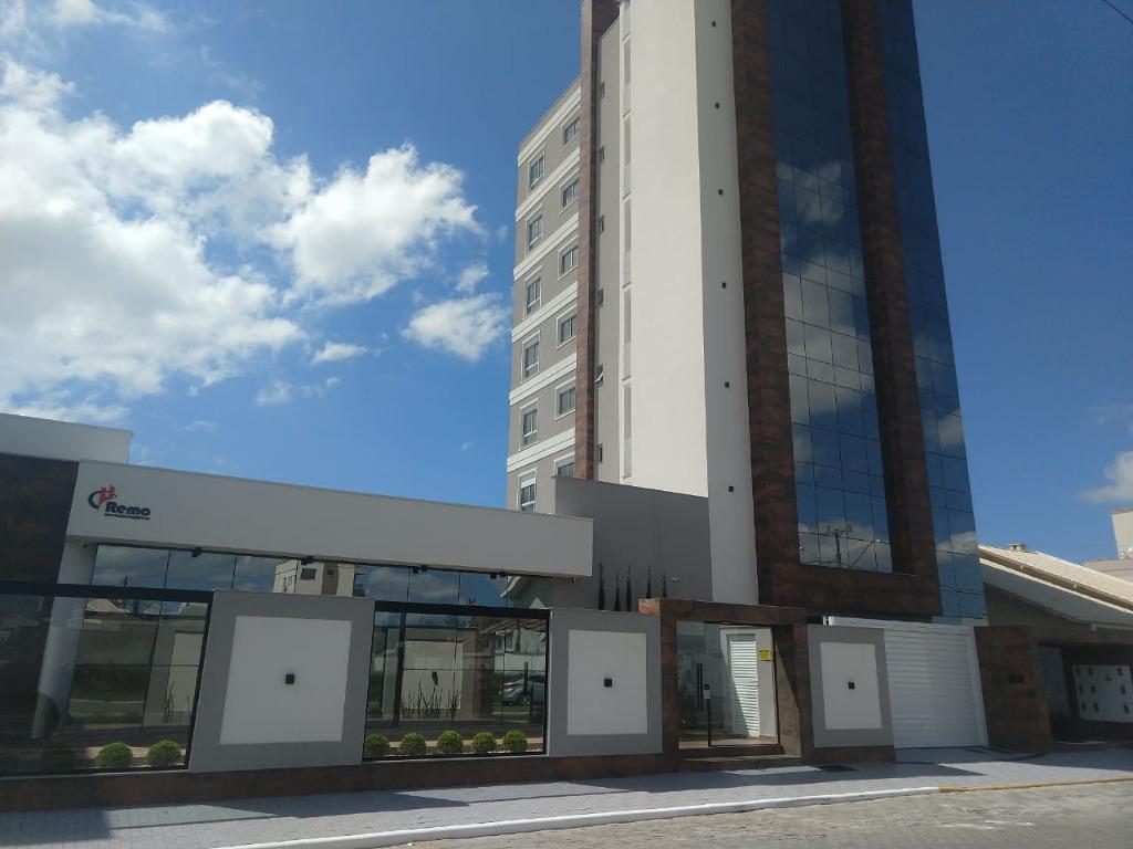 Apartamento com 3 dormitórios à venda, 46 m² por R$ 690.000,00 - Universitário - Tijucas/SC
