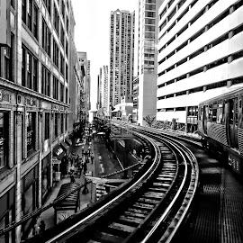 the el train chicago by Jon Radtke - Black & White Buildings & Architecture ( the el train chicago )