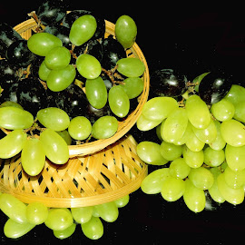 GRAPE TIME by SANGEETA MENA  - Food & Drink Fruits & Vegetables