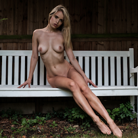 Angel on yhe bench by Paul Phull - Nudes & Boudoir Artistic Nude ( body, sexy, blonde, nude, bench, park, outdoors )