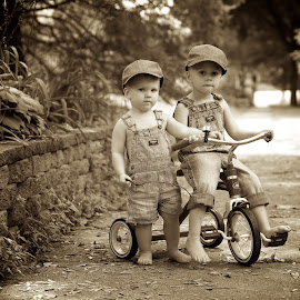 Tikes 'n' trikes by Scott Koukal - Babies & Children Child Portraits