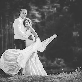 by Ana Tonžetić - Wedding Bride & Groom