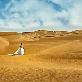 A birde in the desert by Crispin Lee - Wedding Bride