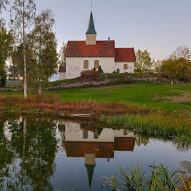 by Anngunn Dårflot - Buildings & Architecture Places of Worship