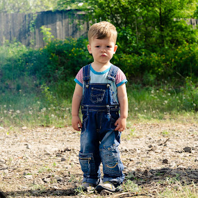 A Look by Andrey Dayen - Babies & Children Child Portraits ( look, children, boy, portrait,  )