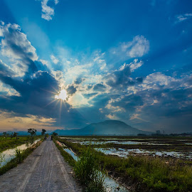 Ray of Hope by B.Thinesh Kumar - Landscapes Sunsets & Sunrises ( clouds, field, sunrays, landscape photography, sunrise, road, landscape,  )