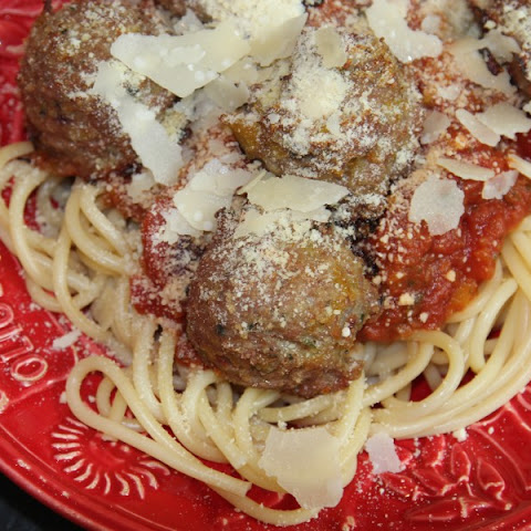 Skinny Turkey Veggie Meatballs and Sauce